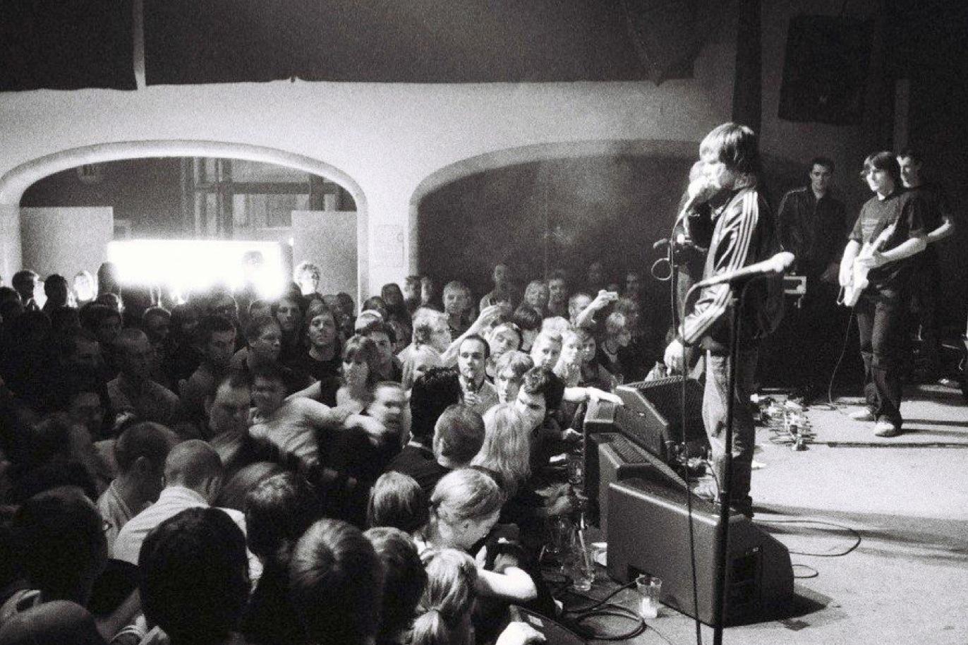 Tumult på Ian Browns konsert på Mondo.
